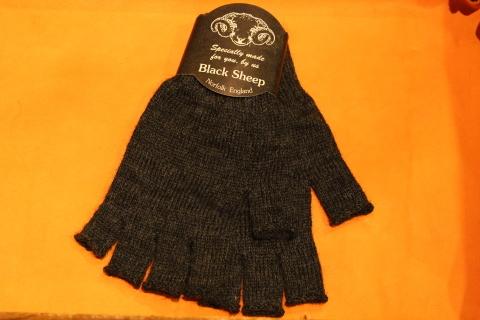 """重宝する「Black Sheep」 \""""Fingerless Glove\"""" ご紹介_f0191324_07165313.jpg"""