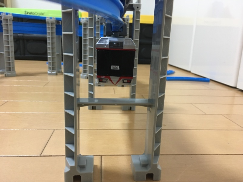 湘南モノレール5000系!懸垂式のプラレール!_d0367998_15562684.jpg