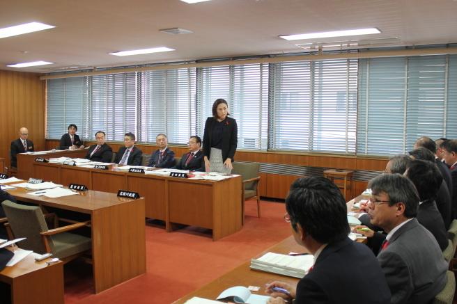 農林水産委員会〜12月7日〜_b0199244_16412529.jpg
