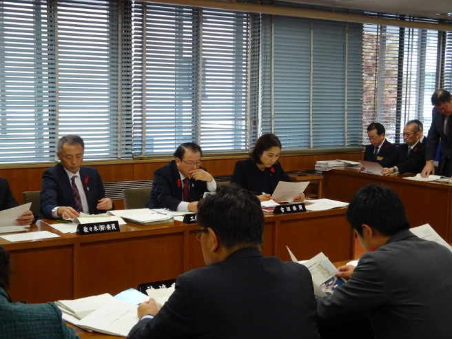 農林水産委員会〜12月7日〜_b0199244_16420317.jpg