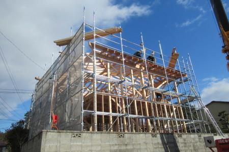 引き続き「玉城の家」建て前_b0179213_17124183.jpg