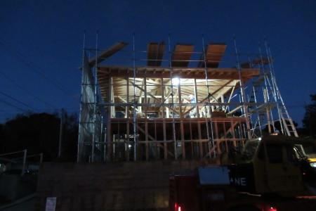 引き続き「玉城の家」建て前_b0179213_17155859.jpg
