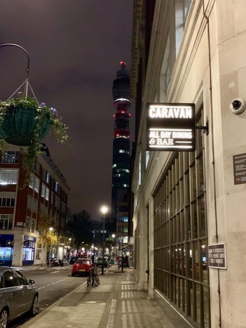ロンドンの若者に人気のカジュアルレストラン キャラバン_f0380234_04492385.jpg