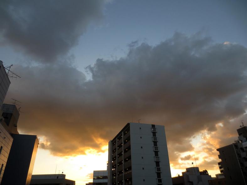 ■高野吾朗さんの詩・朗読の夕べ、週替わりの夕暮れ[12/10-14]_d0190217_21075072.jpg