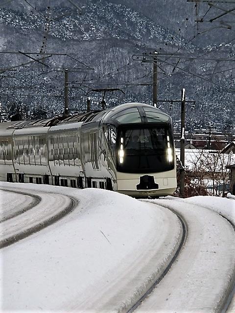 藤田八束の鉄道写真@今年出会った素敵な鉄道写真、貨物列車の写真を紹介・・・貨物列車、リゾート列車、四季島など_d0181492_19235086.jpg