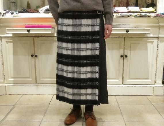 お正月のお出かけには、3柄を合わせたキルトスカートで・・・_c0227633_15425700.jpg