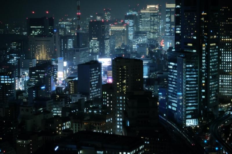 夜鉄(玄光社刊)本日より書店販売_f0050534_16282533.jpg