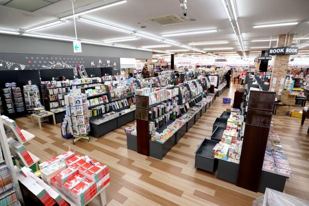 WAY書店TSUATAYA御所店施工させていただきました!_f0300358_18070856.jpg
