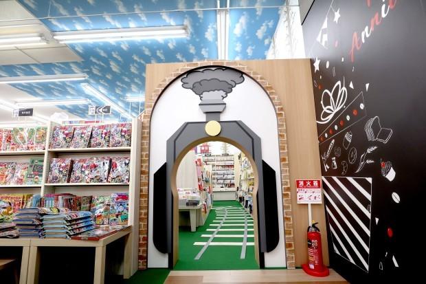 WAY書店TSUATAYA御所店施工させていただきました!_f0300358_18190398.jpg