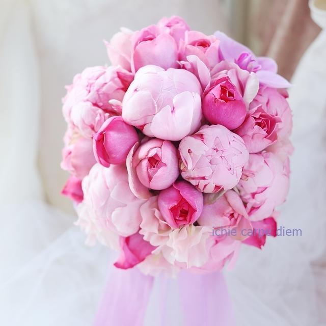 12月、芍薬のブーケ アニヴェルセルみなとみらいの花嫁様へ 心揺さぶるブーケを、一生記憶に残るブーケを。_a0042928_18334275.jpg