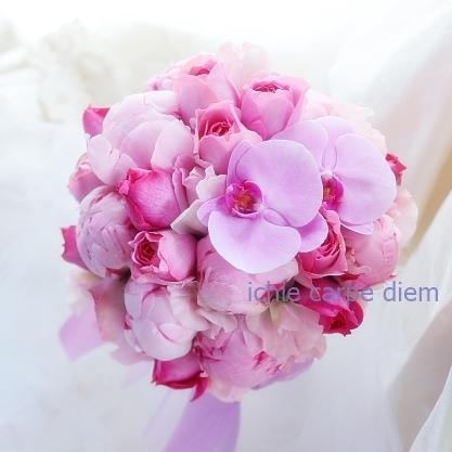 12月、芍薬のブーケ アニヴェルセルみなとみらいの花嫁様へ 心揺さぶるブーケを、一生記憶に残るブーケを。_a0042928_19074678.jpg