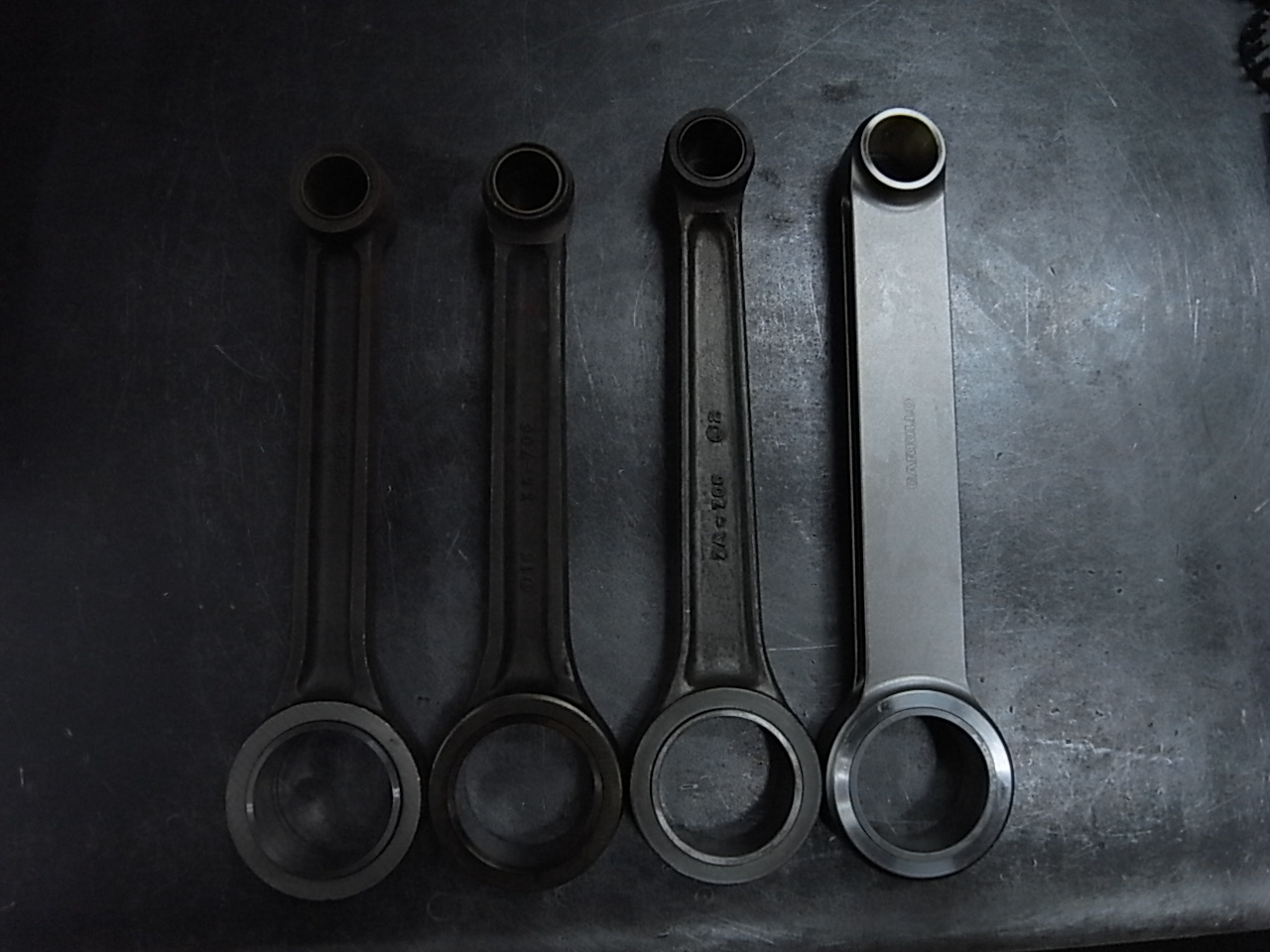 CONNECTING ROD_a0186803_22160942.jpg