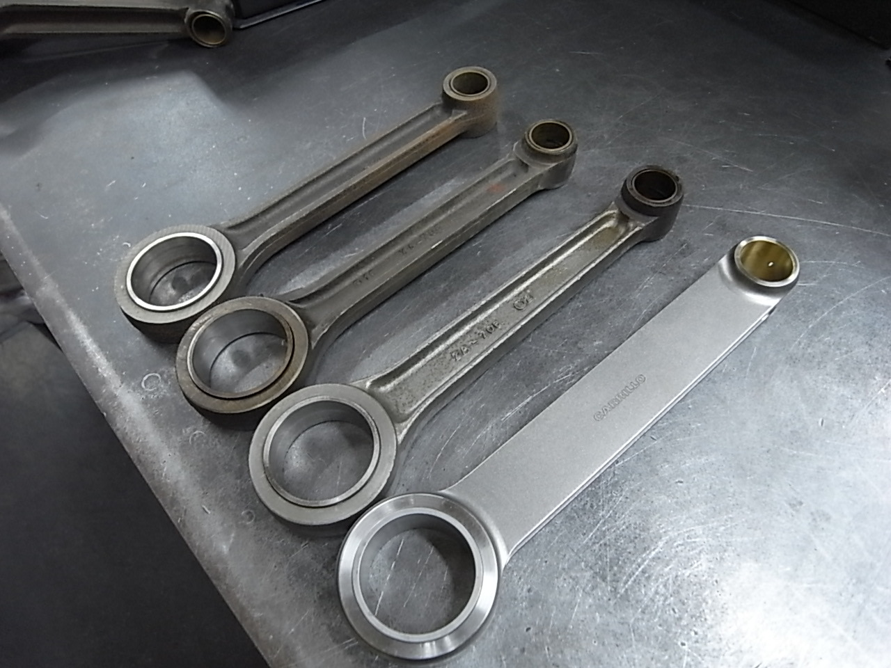CONNECTING ROD_a0186803_22164171.jpg