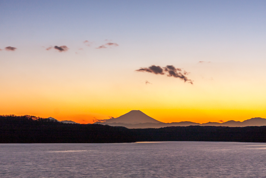狭山湖のトワイライト_b0010915_22183679.jpg