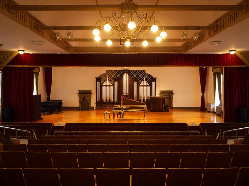 旧東京音楽学校奏楽堂_a0003650_22215188.jpg