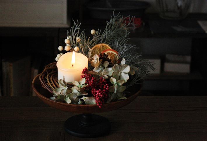 100均の造花だけで「クリスマスリース」を簡単DIY_d0351435_17375974.jpg