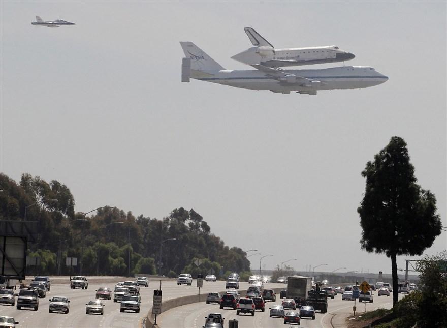 ロスアンジェルスのスペースシャトル_e0350971_14165507.jpg