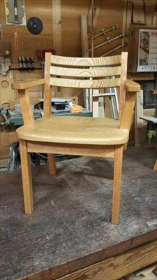 ブラックチェリーとクリの椅子!!_d0165772_20562085.jpg