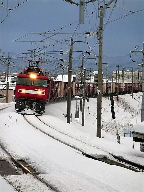 藤田八束の鉄道写真@今年出会った素敵な鉄道写真、貨物列車の写真を紹介・・・貨物列車、リゾート列車、四季島など_d0181492_00235906.jpg