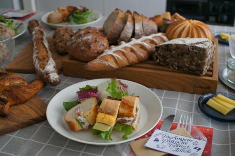 ひと足早いクリスマスはアダチさんのパンを囲んで♪_b0345432_14080756.jpg