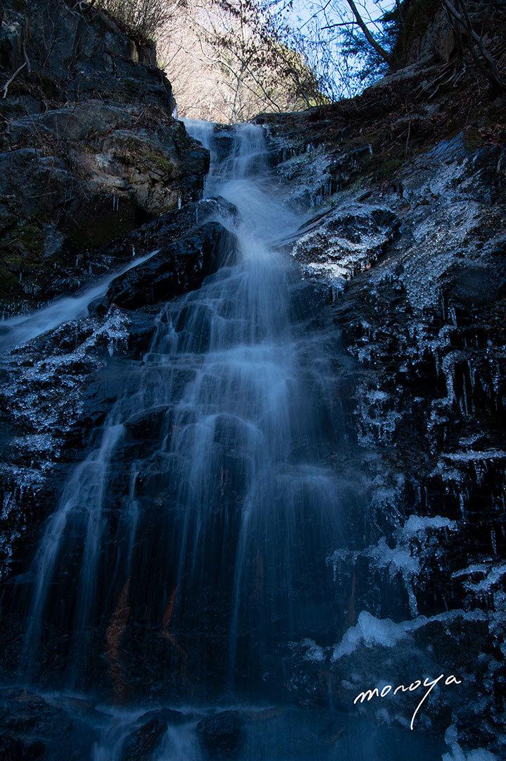 冬の滝_c0085877_06381570.jpg
