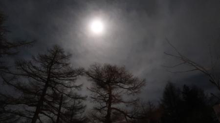 おぼろ月_e0120896_06290372.jpg
