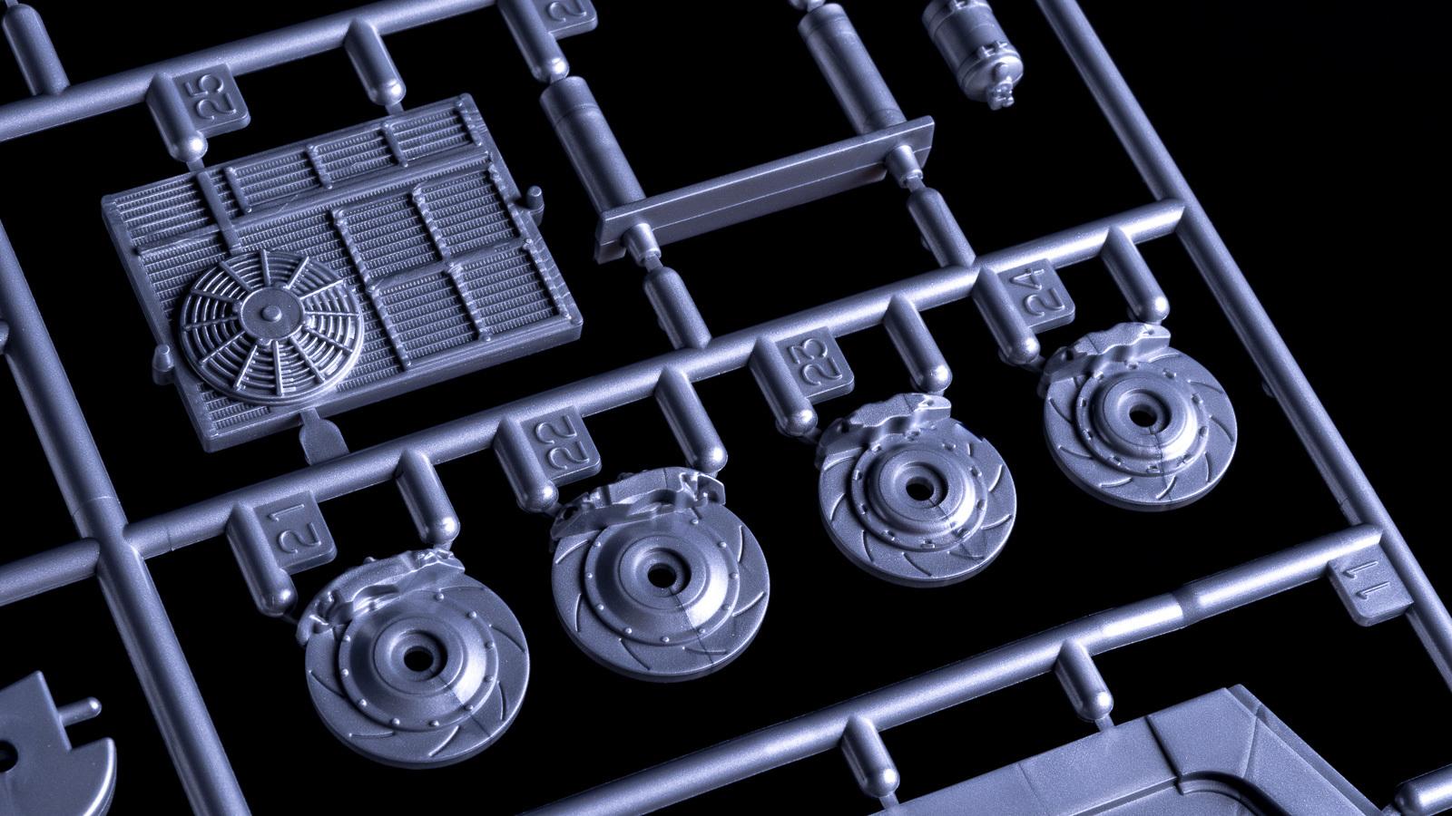 カーモデルの超ビギナーが初音ミクのGTマシンを2日で作れる魔法のような方法を教えます_b0029315_23260454.jpg