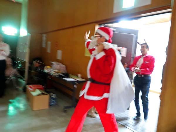 クリスマスパーティー_b0337729_16275025.jpg