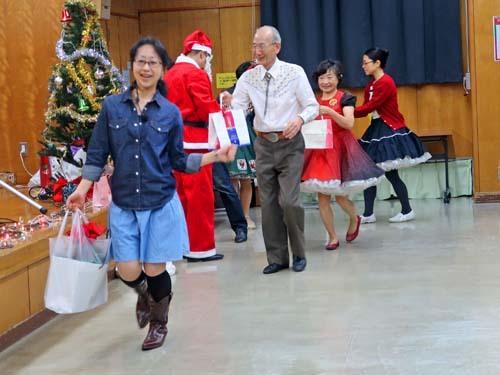 クリスマスパーティー_b0337729_16282721.jpg