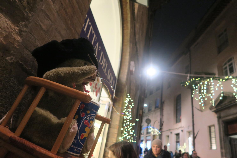 シャボン玉くまさんとコーンのツリー、ペルージャ楽しいクリスマス_f0234936_822871.jpg