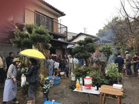 雨中、かっちゃん邸の餅つき大会に103人も12・23_c0014967_13013563.jpg