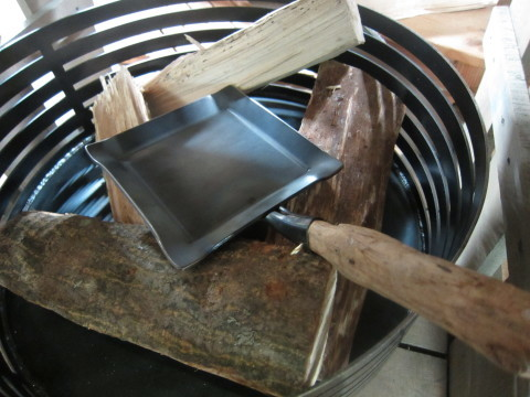 野外料理の進化型鉄板、登場!_d0198793_09262615.jpg