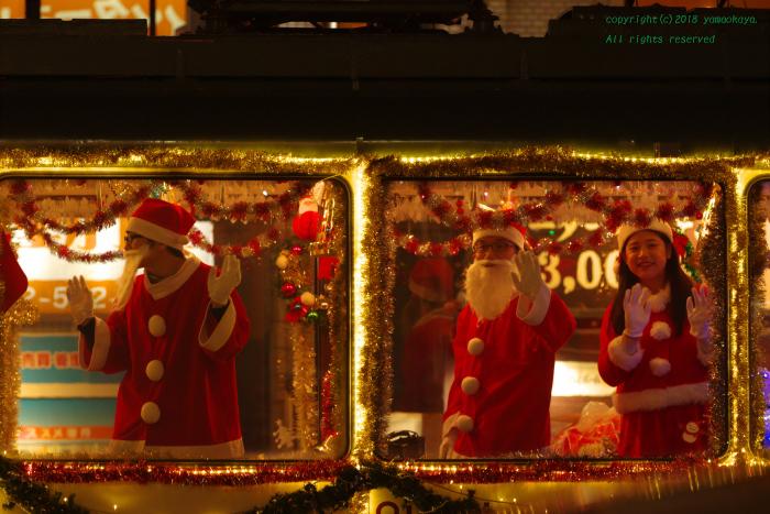 クリスマス電車がやって来た夜_d0309612_23441586.jpg