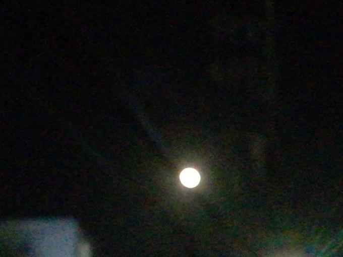 満月のクリスマスイブです_e0094315_20190331.jpg