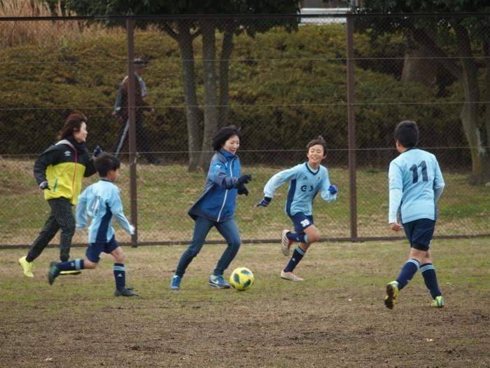 4年生 親子サッカー対決_a0109316_18044297.jpg
