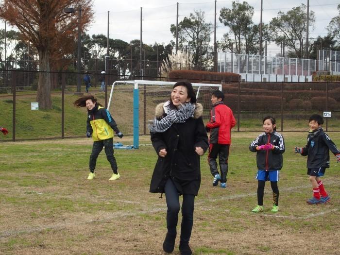 4年生 親子サッカー対決_a0109316_18053139.jpg