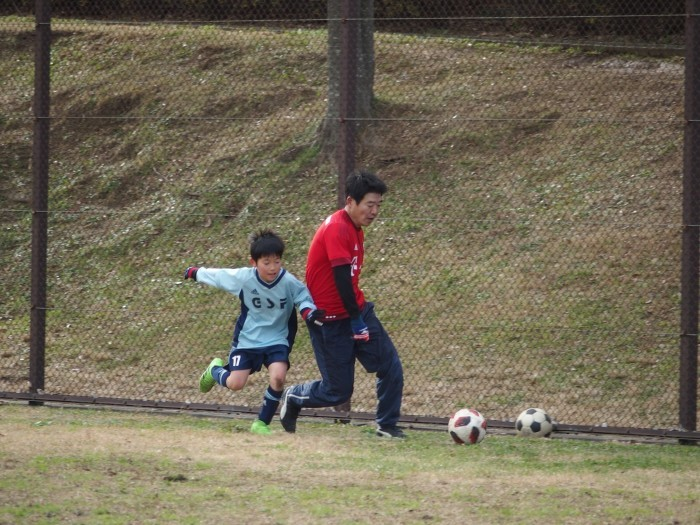 4年生 親子サッカー対決_a0109316_18061810.jpg