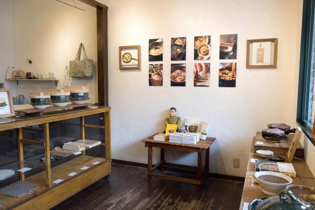 恵文社で開催中 宮本しばに『台所にこの道具』出版記念フェア_e0369736_08183375.jpg