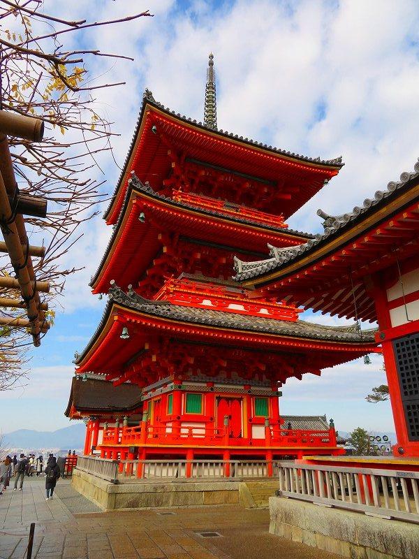 「清水寺」は今日も賑やか0181223_e0237645_21383057.jpg
