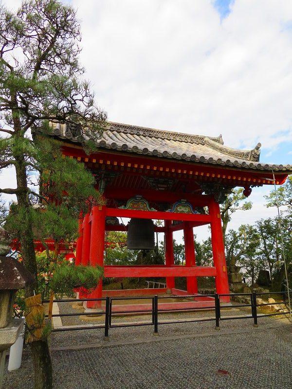 「清水寺」は今日も賑やか0181223_e0237645_21383118.jpg