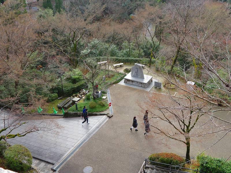 「清水寺」は今日も賑やか0181223_e0237645_21402158.jpg