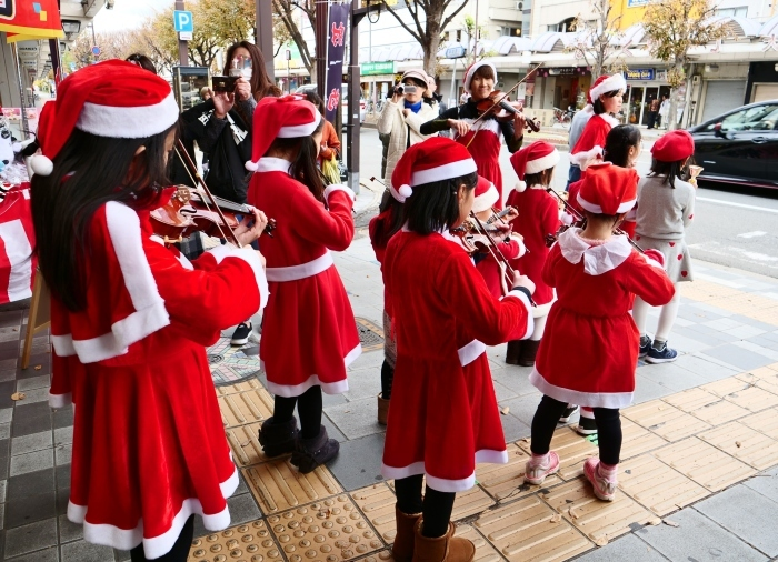 メリークリスマス   2018-12-25 00:00_b0093754_22373414.jpg