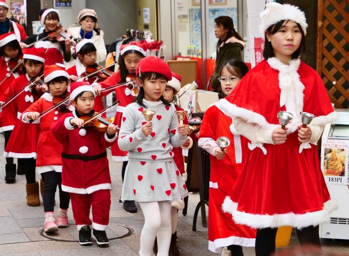 メリークリスマス   2018-12-25 00:00_b0093754_22382901.jpg