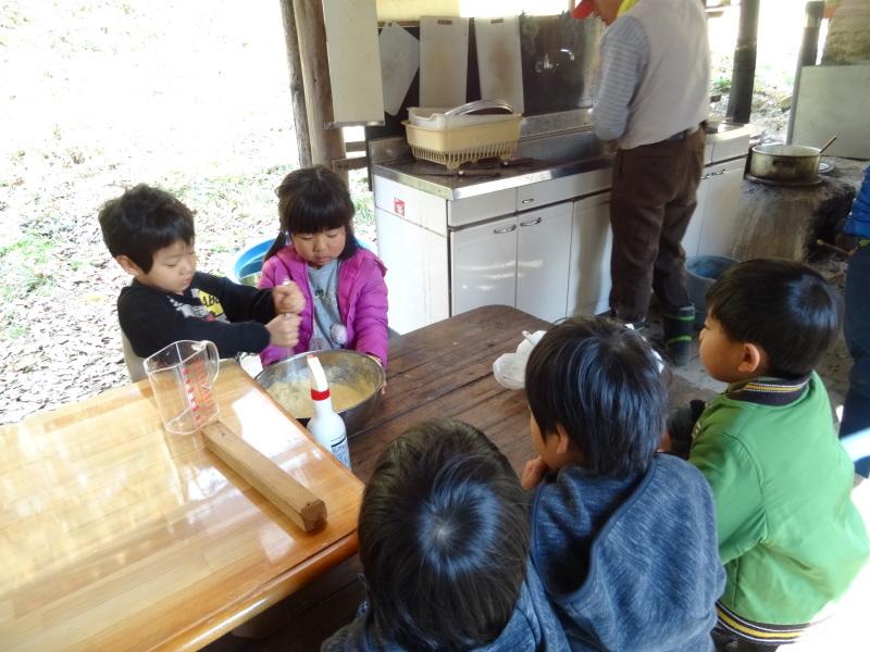 孝子の森で「里山クリスマス」(ピザ職人体験&ケーキつくり)_c0108460_20033673.jpg