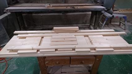 ガラステーブル・ソファテーブル完成_e0269185_16252630.jpg