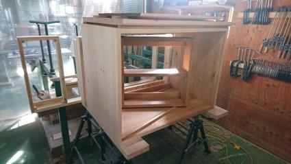 ガラステーブル・ソファテーブル完成_e0269185_16265412.jpg