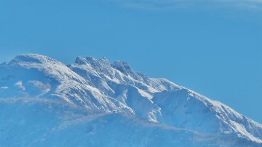 今日の八海山と駒ケ岳_c0336902_21375960.jpg