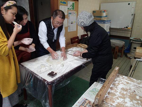 つばきマリーナ.エミークラブの餅つき会_a0077071_14220342.jpg