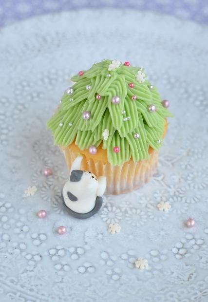 猫と共に クリスマスツリーカップケーキでメリークリスマス☆彡 Homemade Christmas Tree Icing Cookies_d0025294_19044828.jpg