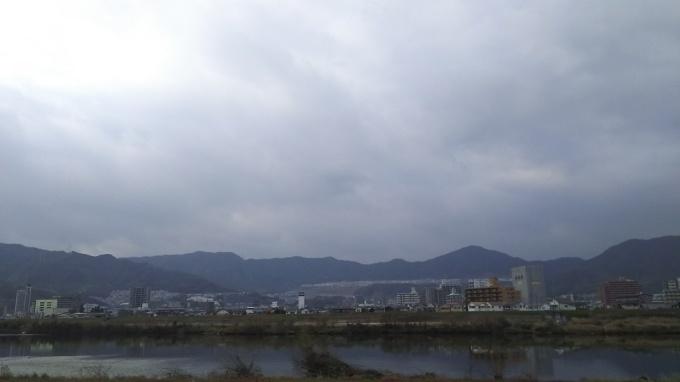 曇り空です_e0094315_15412941.jpg